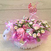 """Подарки к праздникам ручной работы. Ярмарка Мастеров - ручная работа """"Розовая Овечка"""" Букет из детской одежды(Бэби-букет) для девочки. Handmade."""