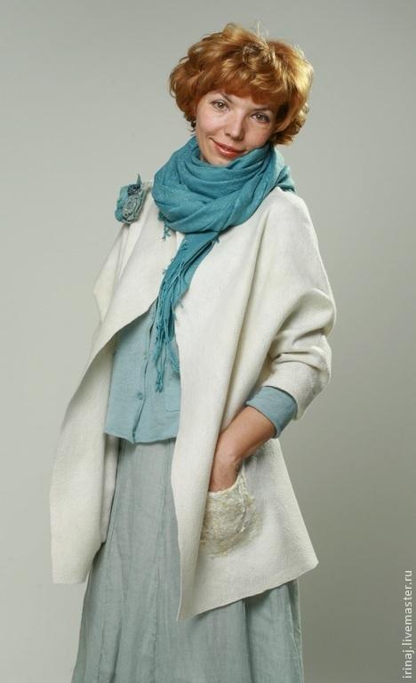 """Верхняя одежда ручной работы. Ярмарка Мастеров - ручная работа. Купить валяный жакет """"White"""" в стиле бохо. Handmade. Белый"""