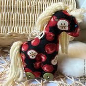 Подарки к праздникам ручной работы. Ярмарка Мастеров - ручная работа Лошадки в яблоках и не только (ёлочные игрушки). Handmade.