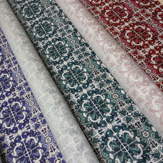 Сатины из коллекции Dolce Gabbana Majolica.  В наличии 3 цвета: синий, зеленый, красный.