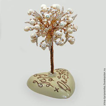 Цветы и флористика ручной работы. Ярмарка Мастеров - ручная работа Дерево из жемчуга на перламутровом сердечке с именной надписью. Handmade.