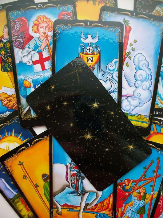 Радужный Райдер- Уэйт в обрамлении черной рамки, рубашка черная, размер карт  6,6 на 11,6 см. Надписи на русском языке