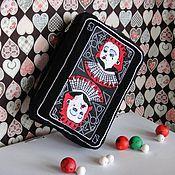 Сувениры из фильмов ручной работы. Ярмарка Мастеров - ручная работа Женская черная сумка вышивка Алиса в стране чудес Красная королева. Handmade.