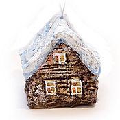 Подарки к праздникам ручной работы. Ярмарка Мастеров - ручная работа Зимняя избушка. Елочные игрушки из папье-маше. Handmade.