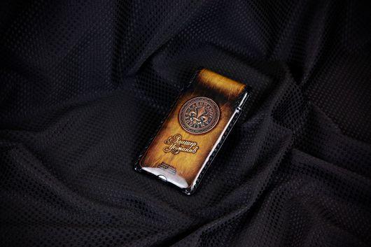 Для телефонов ручной работы. Ярмарка Мастеров - ручная работа. Купить Чехол для iPhone  7/6/6s c Орденом Бронзовой Лилии № 100i. Handmade.
