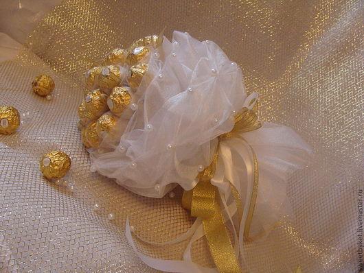 """Букеты ручной работы. Ярмарка Мастеров - ручная работа. Купить Букет из конфет """"Акварель"""" (""""Белая свадьба""""). Handmade. Белый"""