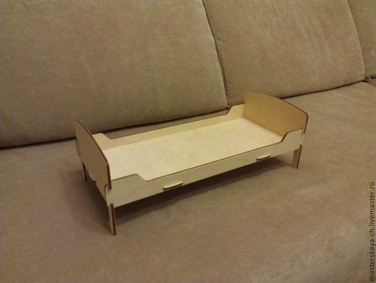 Кукольная кровать (для куклы 32 см)