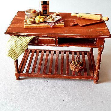 Миниатюрные игрушки: кухонный столик