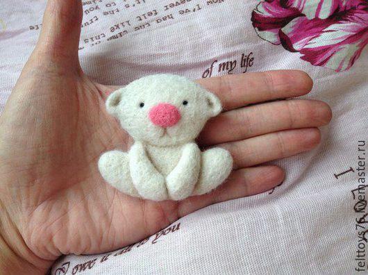 Мишка-брошь (6 см.) 100% мериносовая шерсть Цена: 400 руб.