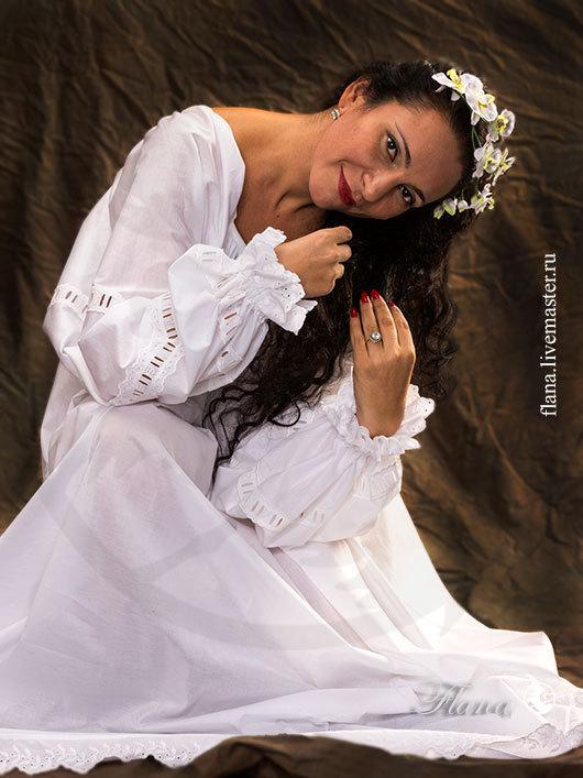 Рубашка из тонкого муслина `Ренессанс`, украшенная прошвами и шитьем. Индивидуальный пошив, Флана