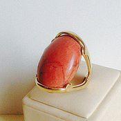 кольцо с говлитом