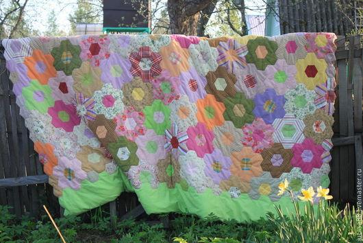 Текстиль, ковры ручной работы. Ярмарка Мастеров - ручная работа. Купить Покрывало лоскутное. Handmade. Лоскутное покрывало, разноцветное, синтепон