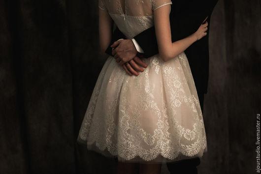 Одежда и аксессуары ручной работы. Ярмарка Мастеров - ручная работа. Купить Свадебное платье из французского кружева. Handmade. Белый