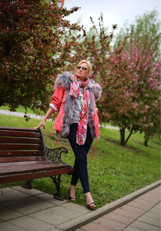 Верхняя одежда ручной работы. Ярмарка Мастеров - ручная работа. Купить Коралловая куртка на подкладке из ламы необычного цвета. . Handmade.