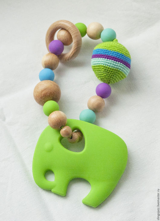"""Развивающие игрушки ручной работы. Ярмарка Мастеров - ручная работа. Купить """"Зелёный слон"""". Погремушка-прорезыватель. Handmade. Ярко-зелёный"""