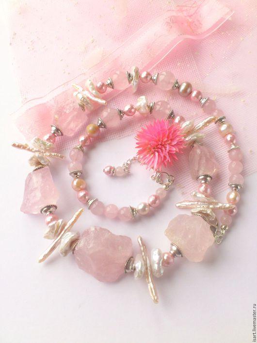 Колье, бусы ручной работы. Авторские украшения из натуральных камней. Бусы `Розовый сон` из розового кварца и натурального жемчуга. Розовые бусы из камней и жемчуга. Нежные бусы. Светлана ISart.