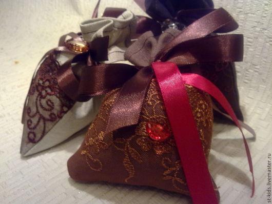 """Подарки для влюбленных ручной работы. Ярмарка Мастеров - ручная работа. Купить Саше""""Красная лента""""ароматическое. Handmade. Коричневый, кофе, кофеману"""