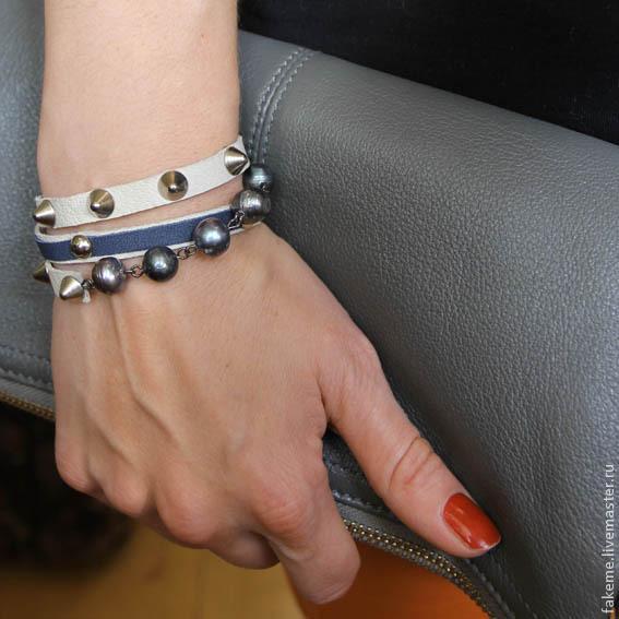Браслеты ручной работы. Ярмарка Мастеров - ручная работа. Купить Кожаный браслет намотка белый с жемчугом. Handmade. Кожа