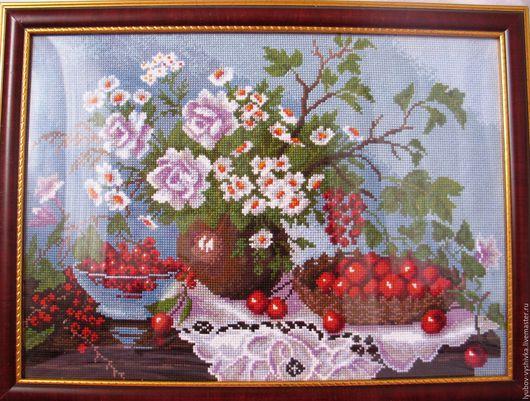 Натюрморт с ягодами.  Любовь Сафонова.