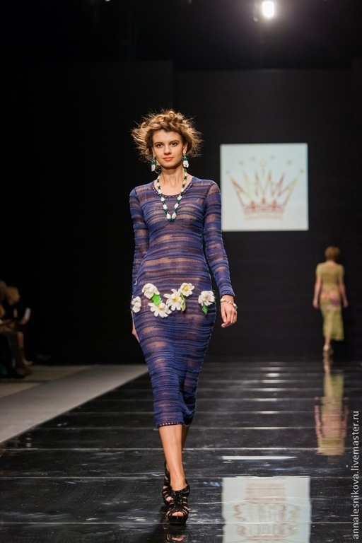 """Платья ручной работы. Ярмарка Мастеров - ручная работа. Купить Платье  """"ДЕВОЧКА-РОМАШКА"""". Handmade. Тёмно-синий, дизайнерская одежда"""