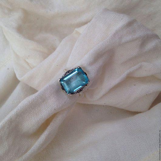 """Кольца ручной работы. Ярмарка Мастеров - ручная работа. Купить Кольцо с голубым топазом """"Королевское"""". Handmade. Голубой, серебрянное"""