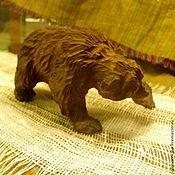 Мини фигурки и статуэтки ручной работы. Ярмарка Мастеров - ручная работа Мини фигурки и статуэтки: Медведь- резьба по дереву. Handmade.