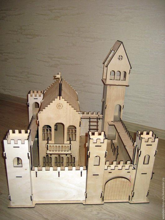 Замок игрушечный деревянный средневековый для детей
