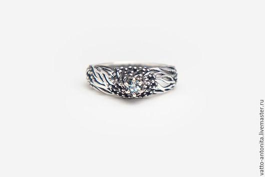 Кольца ручной работы. Ярмарка Мастеров - ручная работа. Купить кольцо с голубым топазом из серебра Зимняя Роза. Handmade.