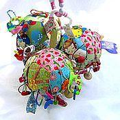Куклы и игрушки ручной работы. Ярмарка Мастеров - ручная работа Развивающий мячик для девочек. Handmade.