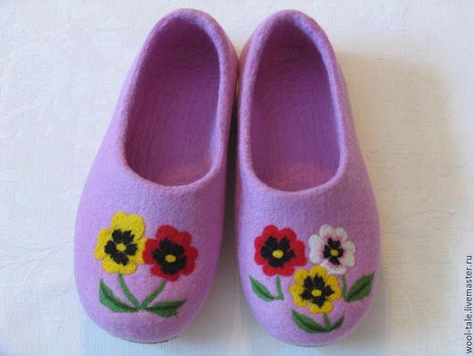 Обувь ручной работы. Ярмарка Мастеров - ручная работа. Купить Тапочки 35 размер валяные из натуральной мериносовой шести. Handmade.