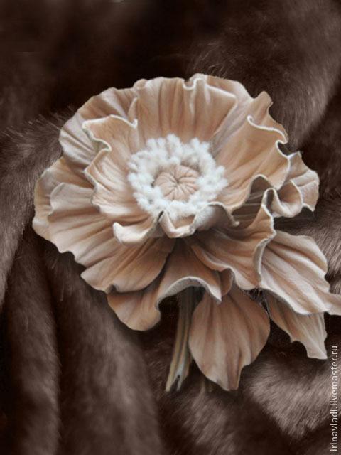 цветы из кожи, кожаный цветок мак, бежевый мак из кожи, украшение из кожи цветок, кожаные аксессуары, заколка для волос цветок, заколка для волос мак, брошь цветок мак,брошь цветок из кожи, ободок с ц