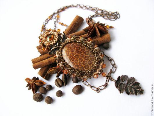 Кулоны, подвески ручной работы. Ярмарка Мастеров - ручная работа. Купить Кулон с кораллом Крем-карамель. Crеme caramel.. Handmade.
