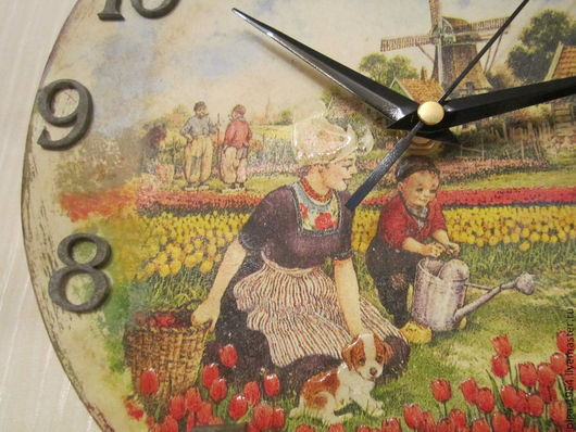 """Часы для дома ручной работы. Ярмарка Мастеров - ручная работа. Купить Часы """"Старая Голландия. На грядке"""" круглые деревянные настенные. Handmade."""