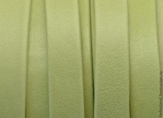 Для украшений ручной работы. Ярмарка Мастеров - ручная работа. Купить Кожаный шнур плоский 10 мм Denver зеленое яблоко. Handmade.