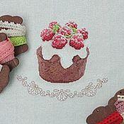 Картины и панно ручной работы. Ярмарка Мастеров - ручная работа купон с вышивкой малиновый десерт. Handmade.
