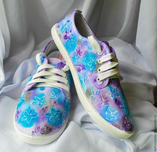 """Обувь ручной работы. Ярмарка Мастеров - ручная работа. Купить Кеды женские с рисунком на заказ """"Нежность"""". Handmade. Кеды"""