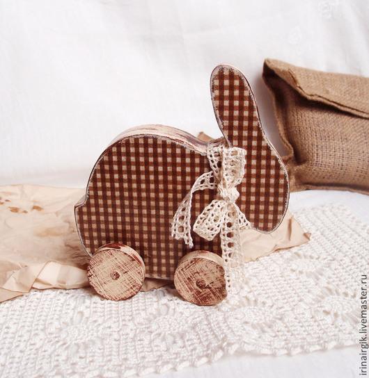 Комплекты аксессуаров ручной работы. Ярмарка Мастеров - ручная работа. Купить Шоколадный заяц (деревянная игрушка на колесиках). Handmade. Заяц