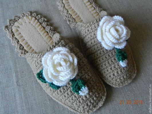 """Обувь ручной работы. Ярмарка Мастеров - ручная работа. Купить """"Уютные Розы"""" тапочки (подошва валяная). Handmade. Серый, желтый"""