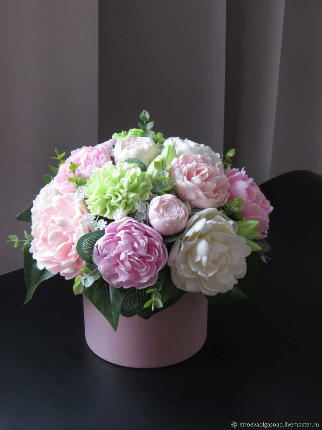 Peonies in a hatbox, Aroma souvenirs, Rostov-on-Don,  Фото №1