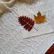 Палантины ручной работы. Ярмарка Мастеров - ручная работа Вязаный палантин из мериносовой шерсти. Теплый белый свадебный шарф. Handmade.