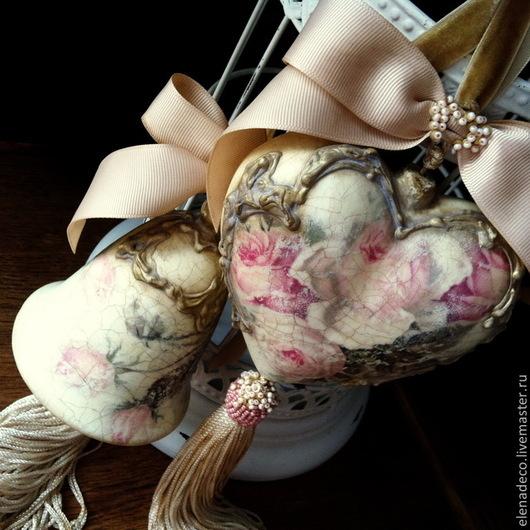 """Подвески ручной работы. Ярмарка Мастеров - ручная работа. Купить """"Roses en poudre"""" Интерьерные колокольчик и сердечко. Handmade. Разноцветный"""