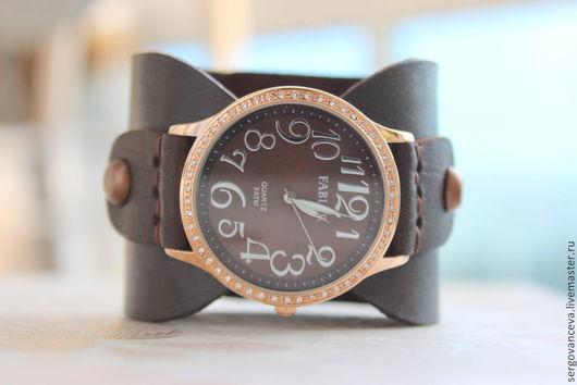 """Часы ручной работы. Ярмарка Мастеров - ручная работа. Купить Часы на широком кожаном ремешке """" №10"""". Handmade. Коричневый"""