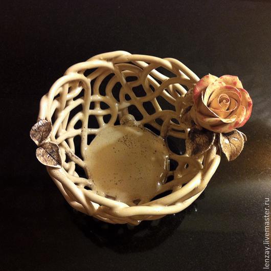 Конфетница `Чайная роза` Плетеная керамика и керамические цветы Елены Зайченко