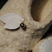"""Обувь ручной работы. Ярмарка Мастеров - ручная работа Валяные тапочки """"Сад для белого барашка"""". Handmade."""