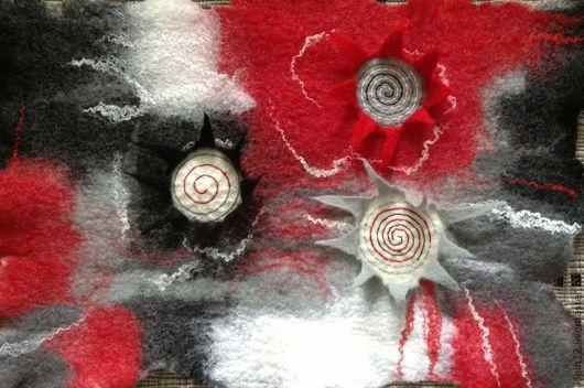 """Текстиль, ковры ручной работы. Ярмарка Мастеров - ручная работа. Купить """"Эмоции...""""  Коврик войлочный. Handmade. Ярко-красный"""