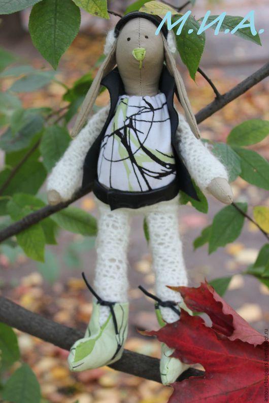 Куклы Тильды ручной работы. Ярмарка Мастеров - ручная работа. Купить Зайка в кожаной жилетке. Handmade. Белый