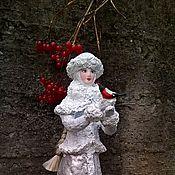 Куклы и игрушки ручной работы. Ярмарка Мастеров - ручная работа снегурочка под елочку из папье маше. Handmade.