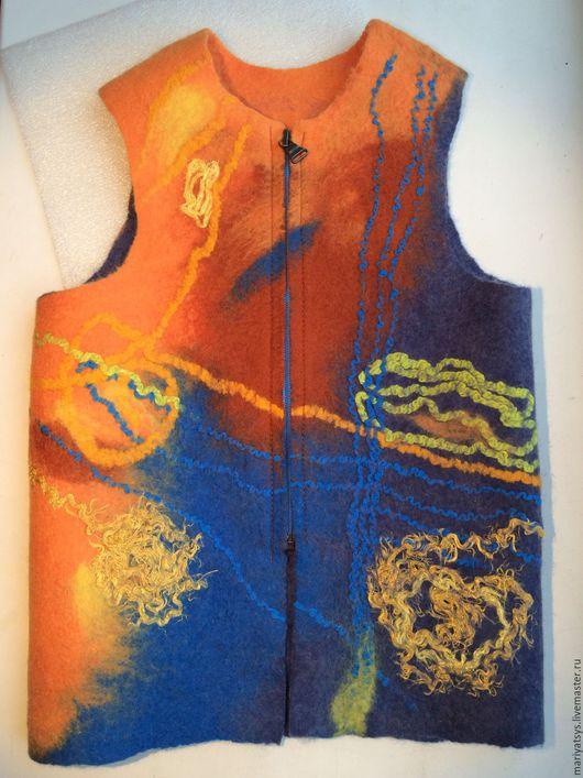 """Жилеты ручной работы. Ярмарка Мастеров - ручная работа. Купить Детский жилет из шерсти """"В путь - дорожку"""". Handmade. Комбинированный"""