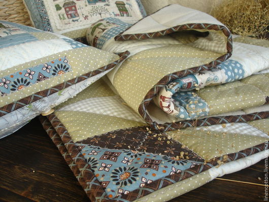 """Текстиль, ковры ручной работы. Ярмарка Мастеров - ручная работа. Купить """"Городок""""  лоскутный плед. Handmade. Разноцветный, плед на флисе"""