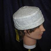 Свадебный салон ручной работы. Ярмарка Мастеров - ручная работа Шляпа-таблетка лен с кружевом и украшена жемчугом. Handmade.